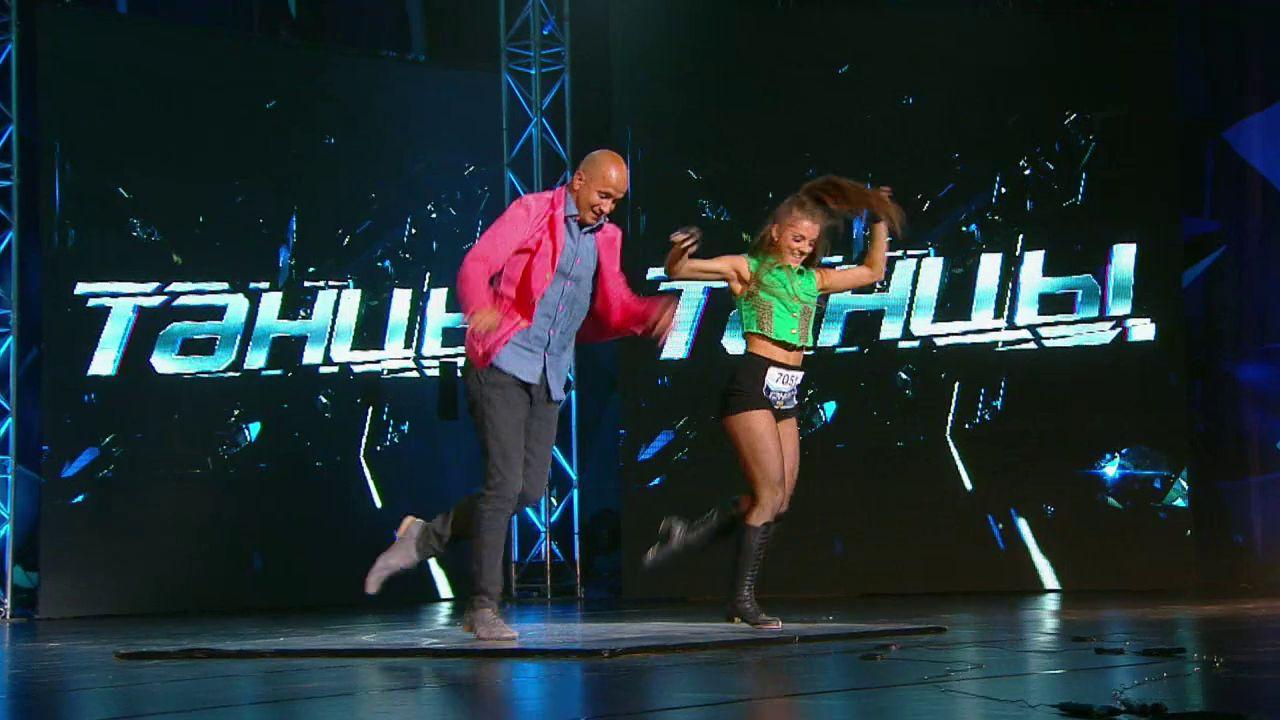 фото юлианы бухольц из шоу танцы можно сделать переходник